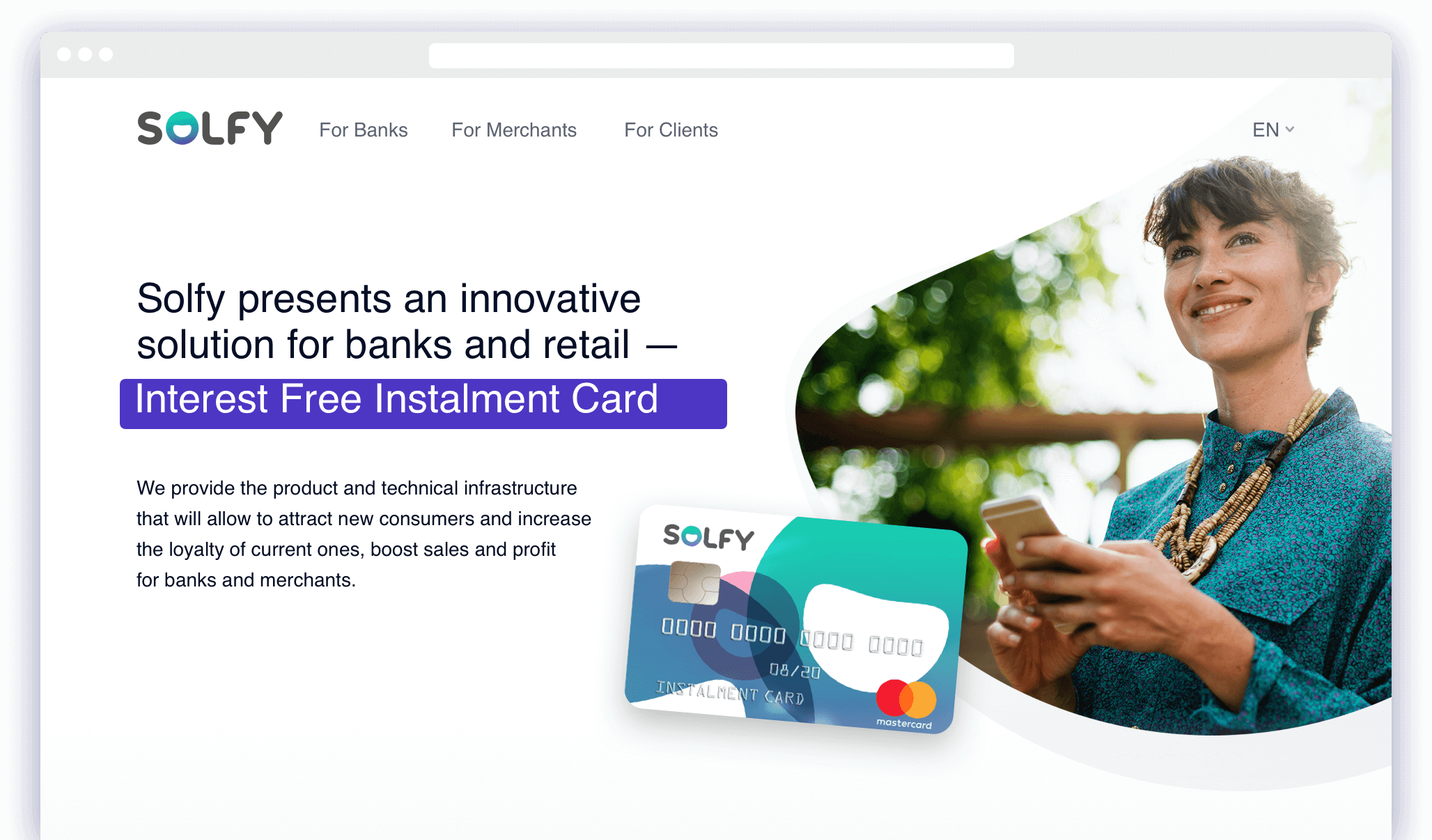 Solfy website main page. A girl with an instalment card Solfy.